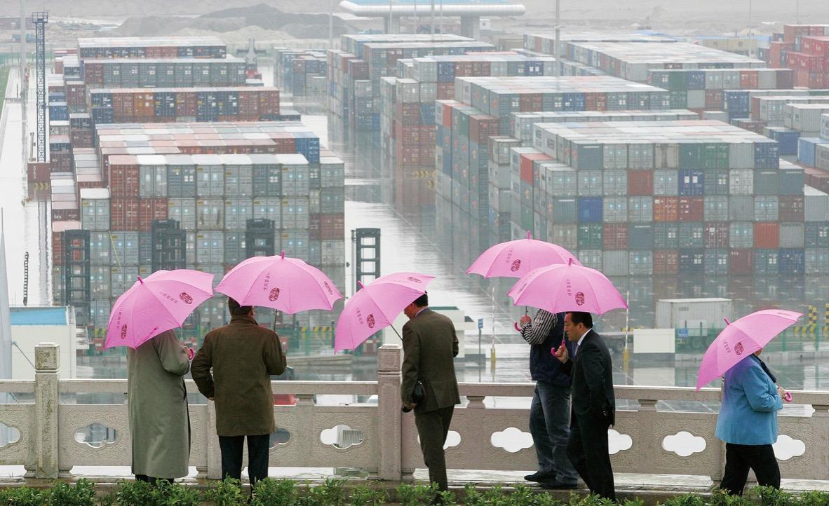 (原料图:添入WTO,让中国在市场经济的道路上大步提高,既转折了中国,也转折了世界。)