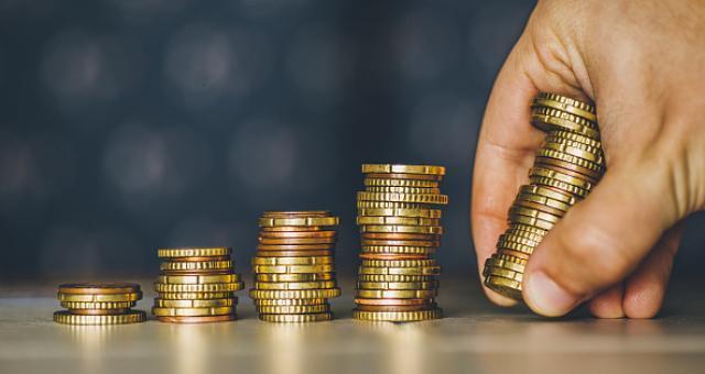 """《财经》新媒体推出资管行业报告:""""艰难""""的私募基金或将受益于资管新规"""