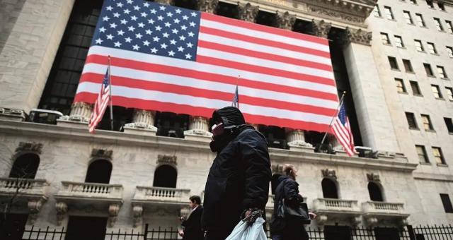 47.2%美国成年人失业,多家商业巨头风雨飘摇,全球最大经济体能否走出疫情泥淖?