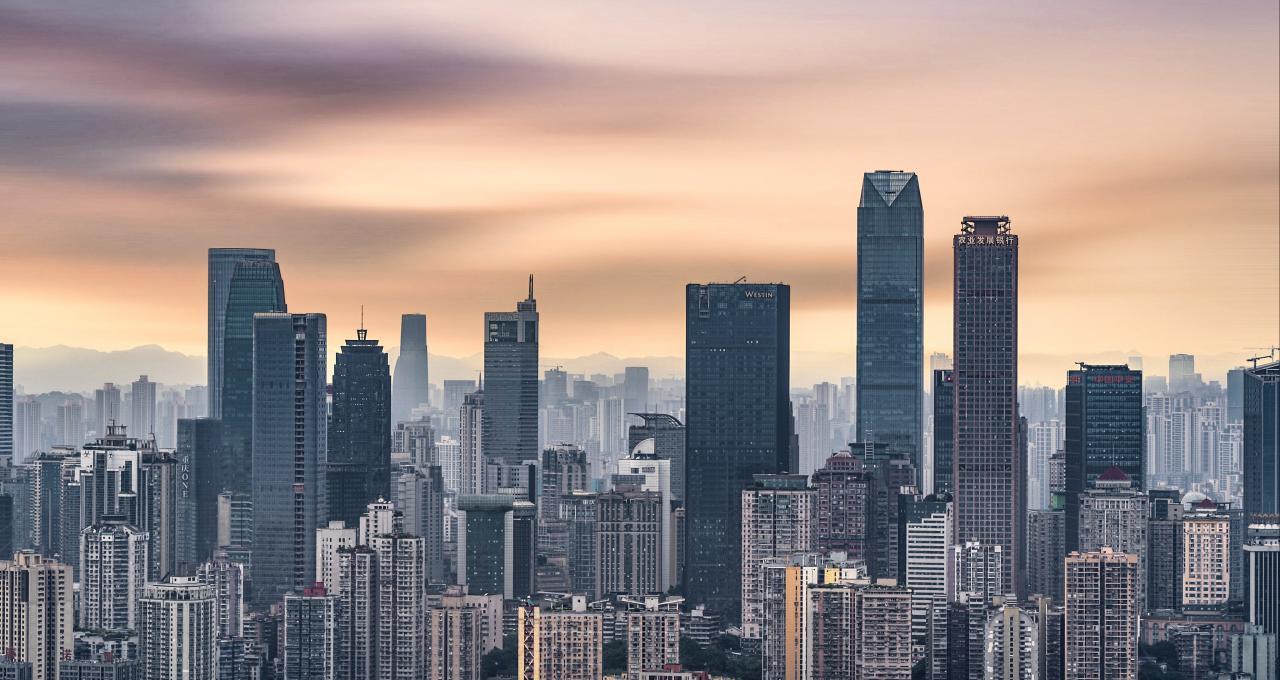 """人口与房价增长同步吗?14个""""双万""""城市十年人口增长近5000万"""