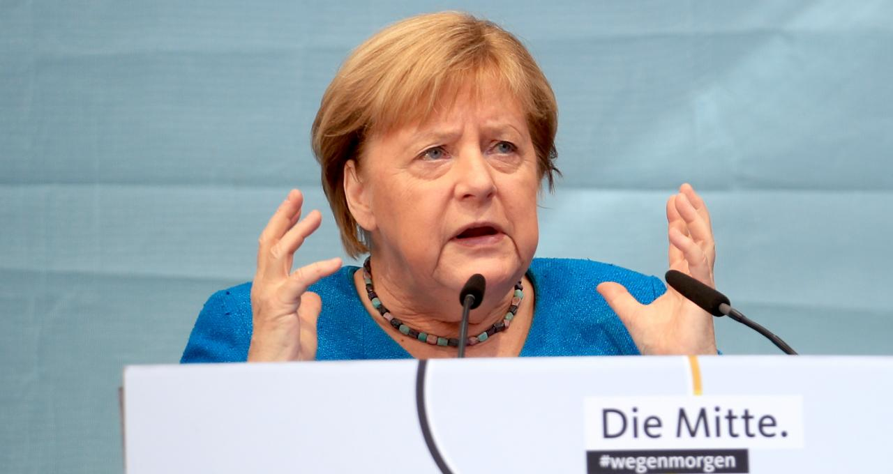 """德国正式告别默克尔时代:从""""小女孩""""到""""近乎伟大的总理"""""""
