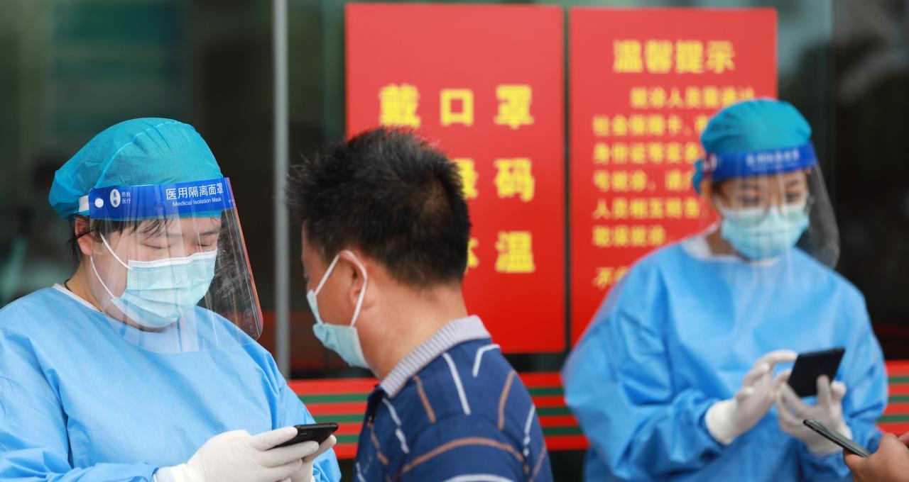 十余省区市启动新冠疫苗第三针接种,加强针如何加强防护?